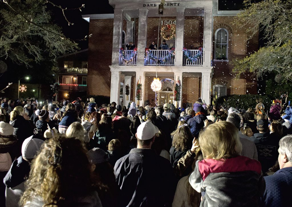 The New Year ball drops and confetti flies at 8:00 p.m. in Manteo so the younger set can join in the festivities.